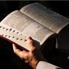 Mayo 24: Servicios en la Iglesia Comienza